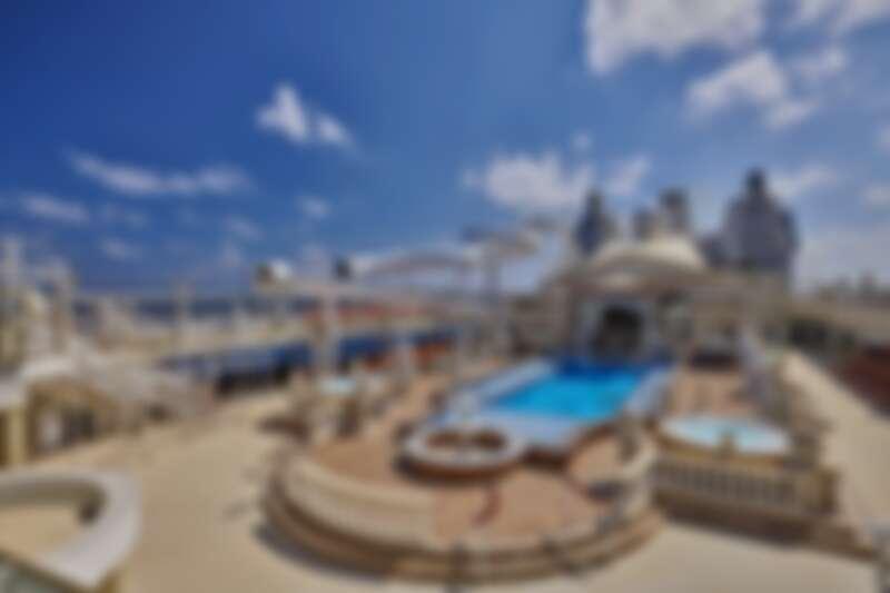 「The Palace皇宮」套房專屬泳池甲板