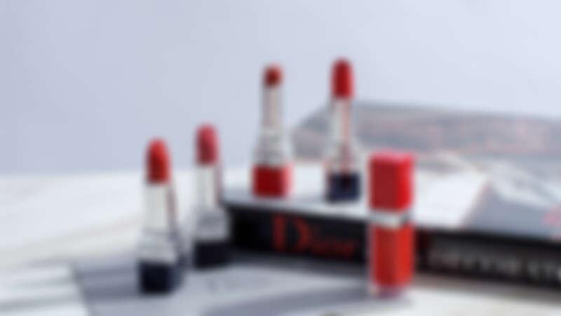 最懂女人的紅就是迪奧藍星系列唇膏,超惹火精萃唇膏以及絲絨唇露,連賈靜雯都是鐵粉!