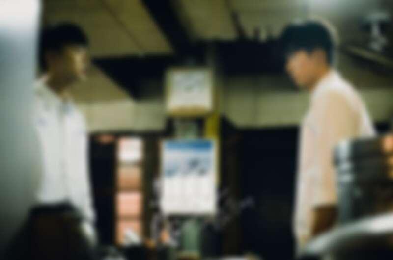 非凡的演技讓許光漢用著同一張臉詮釋了兩個角色、四個時期的每一個不同特性。