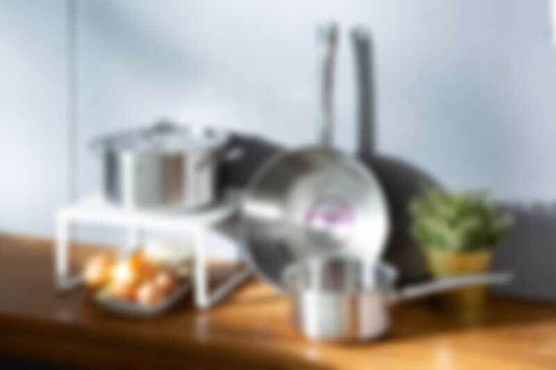 星級主廚耐用鍋系列:星級主廚雙耳不鏽鋼湯鍋、星級主廚不鏽鋼萬用鍋、星級主廚不鏽鋼單手鍋。