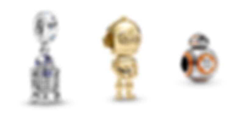 星際大戰「R2-D2™」造型吊飾NT2,880、星際大戰「C-3PO™」造型串飾NT3,280、星際大戰「BB-8™」造型串飾NT2,880