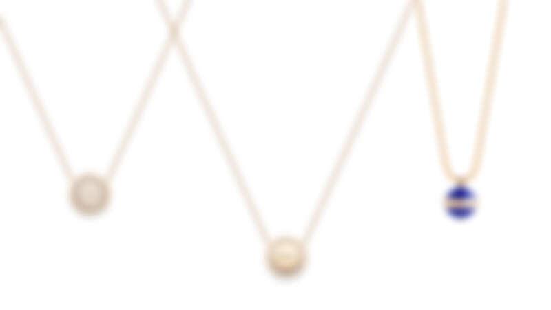 PIAGET Possession系列:18K玫瑰金鑽石墜鍊(可翻轉背面刻字)、18K玫瑰金青金石鑽石墜鍊。