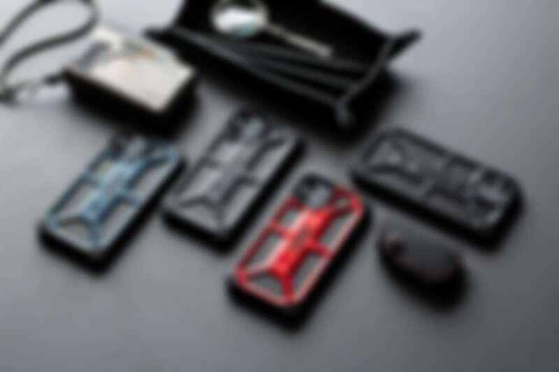 UAG頂級系列:海軍藍手機防護殼(新色)、極黑手機防護殼、紅金手機防護殼、碳黑手機防護殼