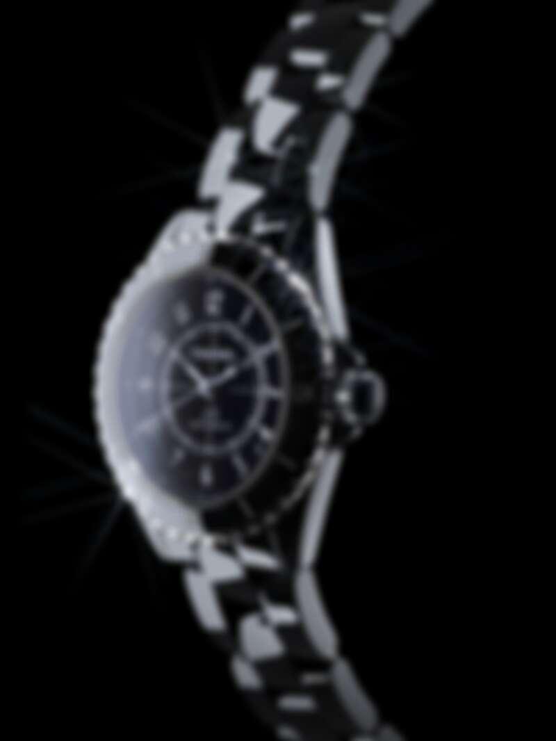 CHANEL J12系列手錶,售價NT 212,000
