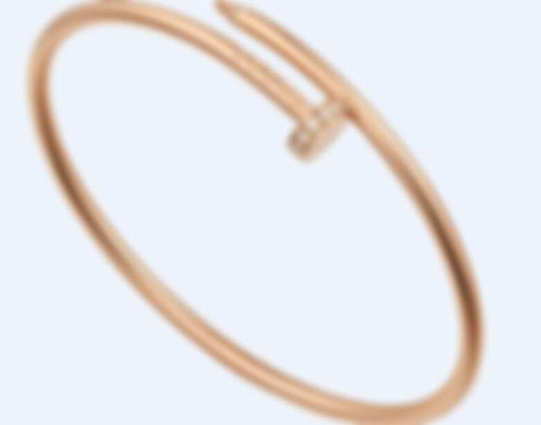 Cartier 卡地亞 Juste un Clou系列窄版手環,玫瑰K金,鑲嵌20顆圓形明亮式切割鑽石,售價約NT132,000