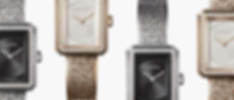 Chanel BOY∙FRIEND 貴金屬壓印斜紋軟呢圖騰腕錶,無搭載可替換式錶帶設計
