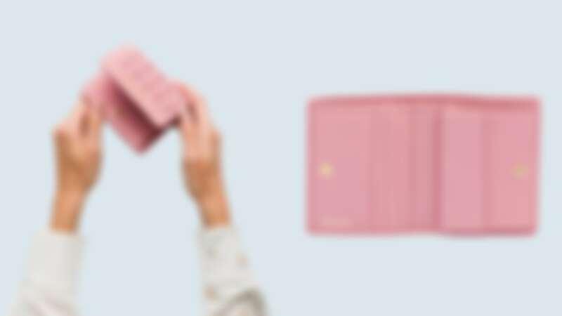 Miu Miu抓皺短夾,NT13,500