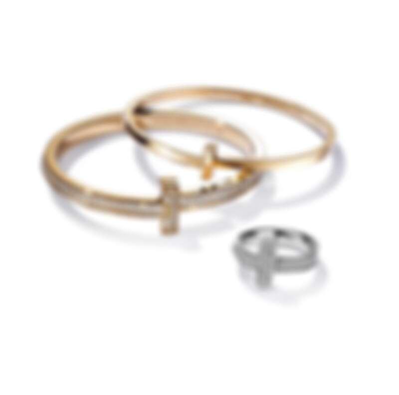 (由上至下) Tiffany T1 系列 - 18K金窄版手環 NT$120,000, 18K金寬版鋪鑲鑽石手環 NT$1,060,000, 18K白金寬版鋪鑲鑽石戒指 NT$194,000
