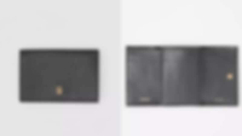 Burberry粒紋皮革折疊短夾,NT15,900