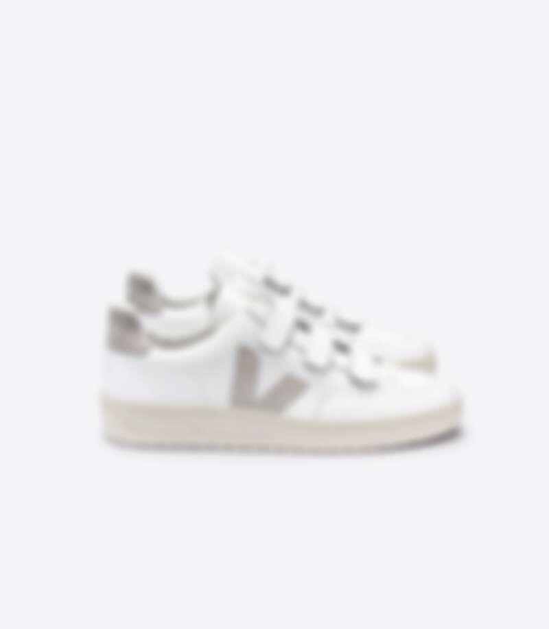 Veja V-Lock Sneakers,售價約NT$3,000左右