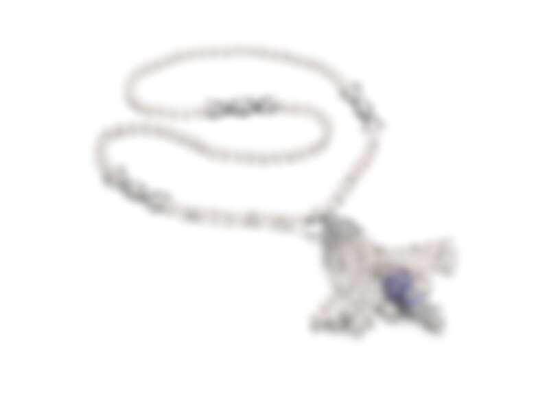 BVLGARI BAROCKO系列Secert Momento頂級珍珠與鑽石項鍊 頂級白K金項鍊,鑲嵌211顆Akoya珍珠、1顆花式雕刻玉髓(重約33.43克拉)、1顆馬眼形切割鑽石(F VS)、187顆方形切割鑽石(F-G VVS-VS,總重約9.88克拉)、圓形明亮切割鑽石與密鑲鑽石作為鑲飾 (D-F IF-VVS,總重約6.68克拉)。