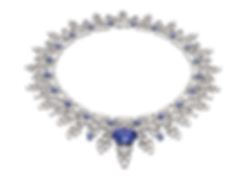 BVLGARI BAROCKO系列Sapphire Lace頂級藍寶石與鑽石項鍊 頂級鉑金項鍊,鑲嵌1顆橢圓形切割藍寶石(重約28.11克拉)、1顆圓形明亮切割鑽石(重約1.05克拉)、22顆圓形切割藍寶石(總重約13.72克拉)、381顆花式階梯形切割鑽石(總重約12.79克拉)、圓形明亮切割鑽石與密鑲鑽石(總重約34.62克拉)。