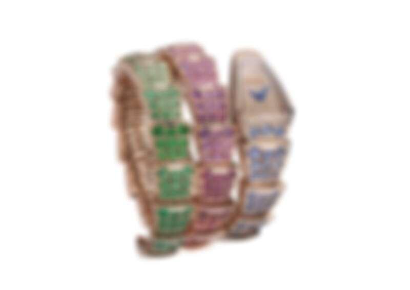 BVLGARI SERPENTI VIPER RAINBOW腕錶 機芯 寶格麗專屬石英機芯;刻有BVLGARI logo;防水深度30公尺。 錶殼與錶盤 錶徑26 MM,玫瑰金弧形錶殼與錶盤,鑲嵌 271 顆圓形明亮切割鑽石(總重約 1.08 克拉);玫瑰金彩虹寶石錶帶,鑲飾 157 顆圓形切割深藍色剛玉、紫色和粉紅剛玉(總重約 14.20 克拉),9 顆圓形切割紅寶石,36 顆紅色至橘紅色圓形切割尖晶石(總重約 3.40 克拉),27 顆由深至淺的圓形切割錳鋁榴石(總重約 2.55 克拉),30 顆圓形切割橘黃色至淺黃色剛玉(總重約 2.31 克拉),45 顆圓形切割黃綠至濃郁綠色石榴石(總重約 3.79 克拉) 及16 顆圓形切割祖母綠(總重約1.02 克拉) ;小時與分鐘顯示。 參考售價:約新台幣 3,571,000 元