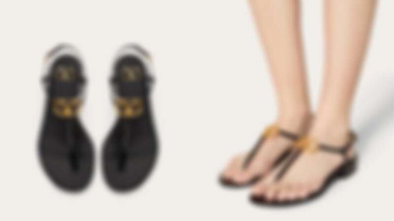 Valentino Logo涼鞋,約NT22,100
