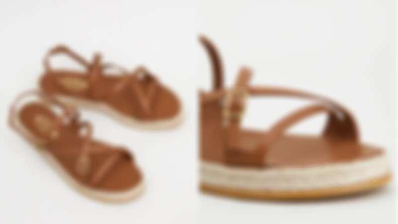 皮革涼鞋,約NT18,300