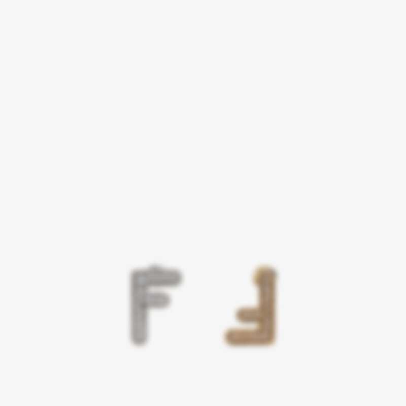 Fendi FF小型耳環,售價NT$12,500