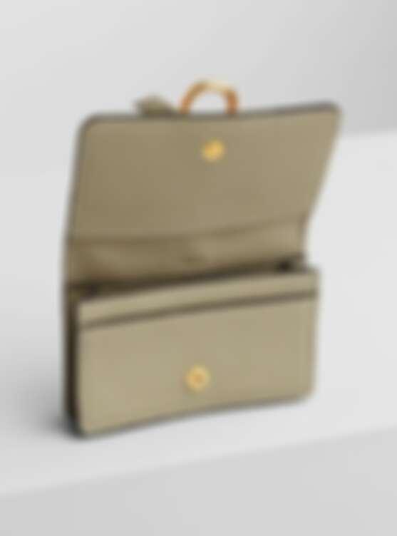 Chloe Alphabet卡套零錢包,約NT8,060