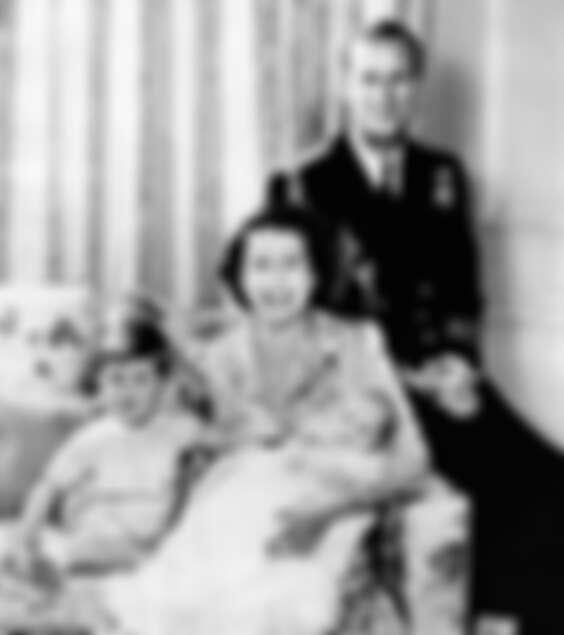 伊麗莎白女王與菲利普親王的全家福照,威爾斯親王查爾斯與安妮長公主