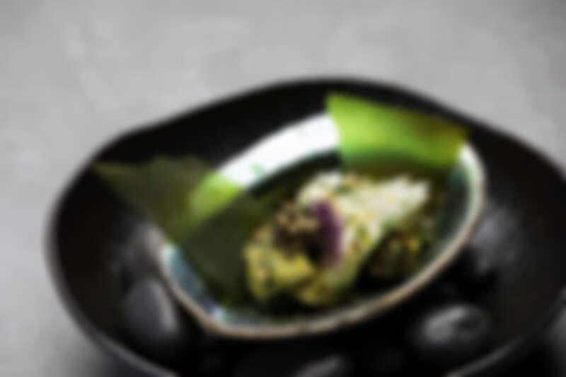有著各種春天食材的溫沙拉。