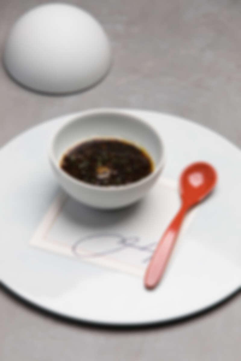 Memory 1997,僅使用松露和鴨肝兩種食材的經典料理,奠定了Chef André 獨特的廚藝風格。