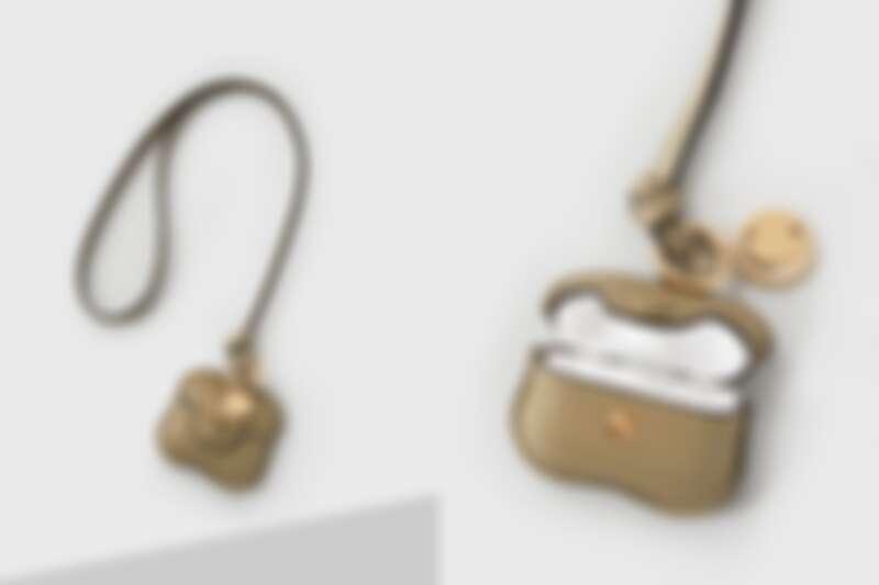 Chloé 字母Airpods Pro Case,價格請至實體店鋪洽詢
