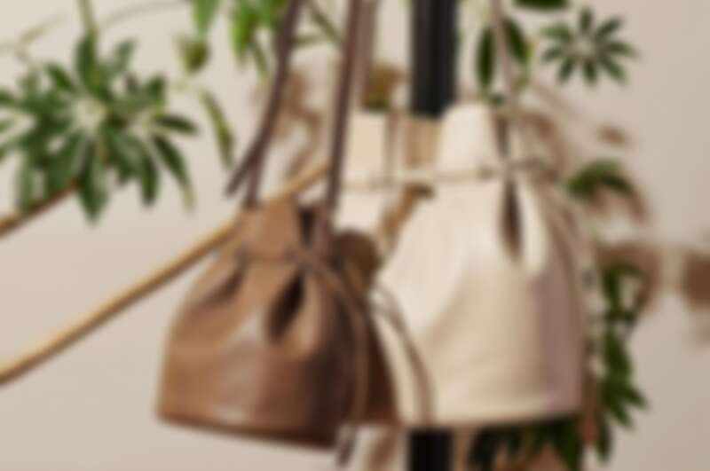 Agnés b. Charlotte水桶包(小/大) ,售價NT$10,580/12,580