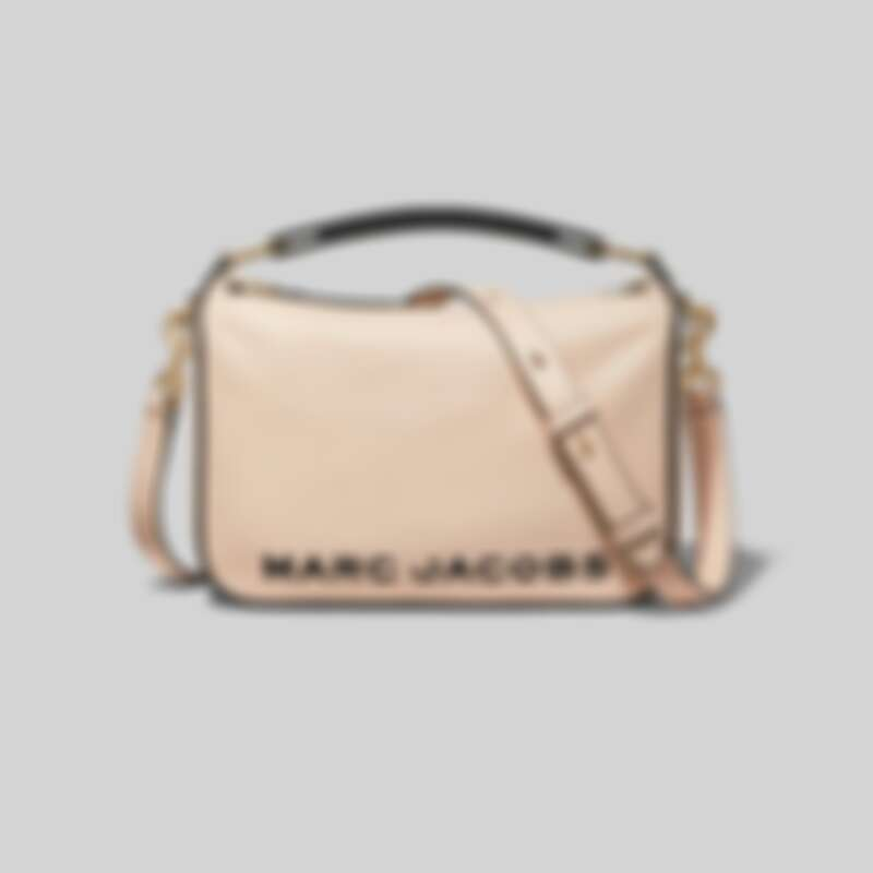 Marc Jacobs The Softbox蜜桃粉膚肩揹包,NT18,900