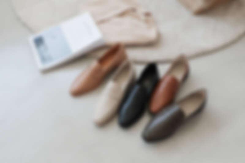 經典款微尖頭樂福鞋 各NT1380