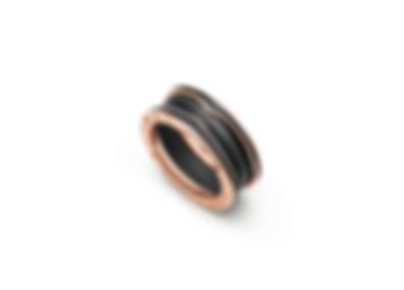 BVLGARI B.zero1系列玫瑰金啞光黑陶瓷雙環戒指_參考售價:約新台幣51,700元