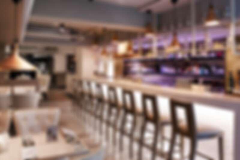 Indulge Experimental Bistro 由世界調酒大賽3次榮獲冠軍的 Aki Wang 領軍,多次入圍「世界50最佳酒吧」。