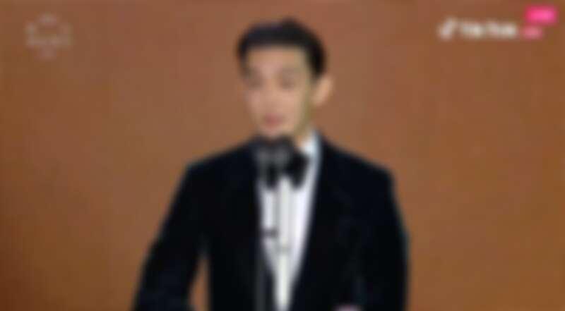 最佳男演員獎: 《收屍人》劉亞仁