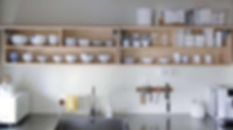 就連收納櫃打開也都是色系一致的白色(Photo by @salrim_story)。