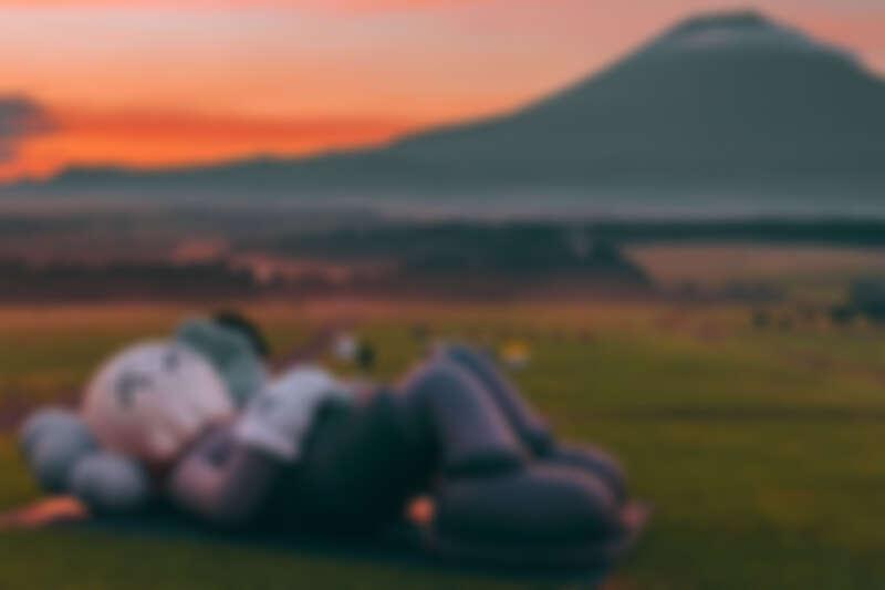 《KAWS:HOLIDAY》日本站來到富士山,讓旅人們想念日本的綺麗美景。