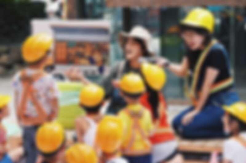 工家美術館扎根教育,規劃一系列親子《跟著工地長大》系列課程,讓小朋友化為小小工程師,參與理解不同工地工種與工序。