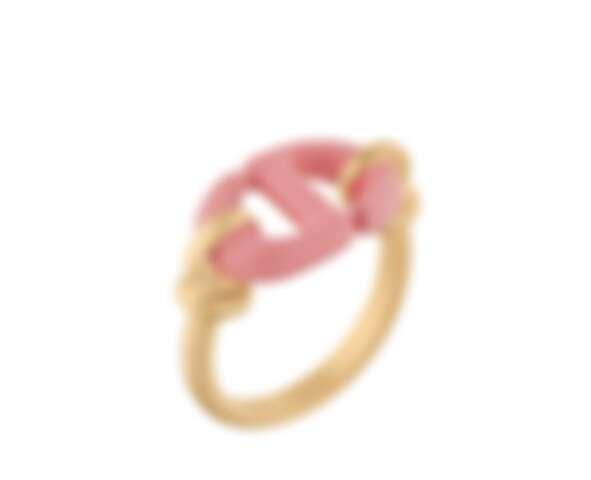 Dior CD Navy 粉紅漆飾金色戒指,NTD14,000。