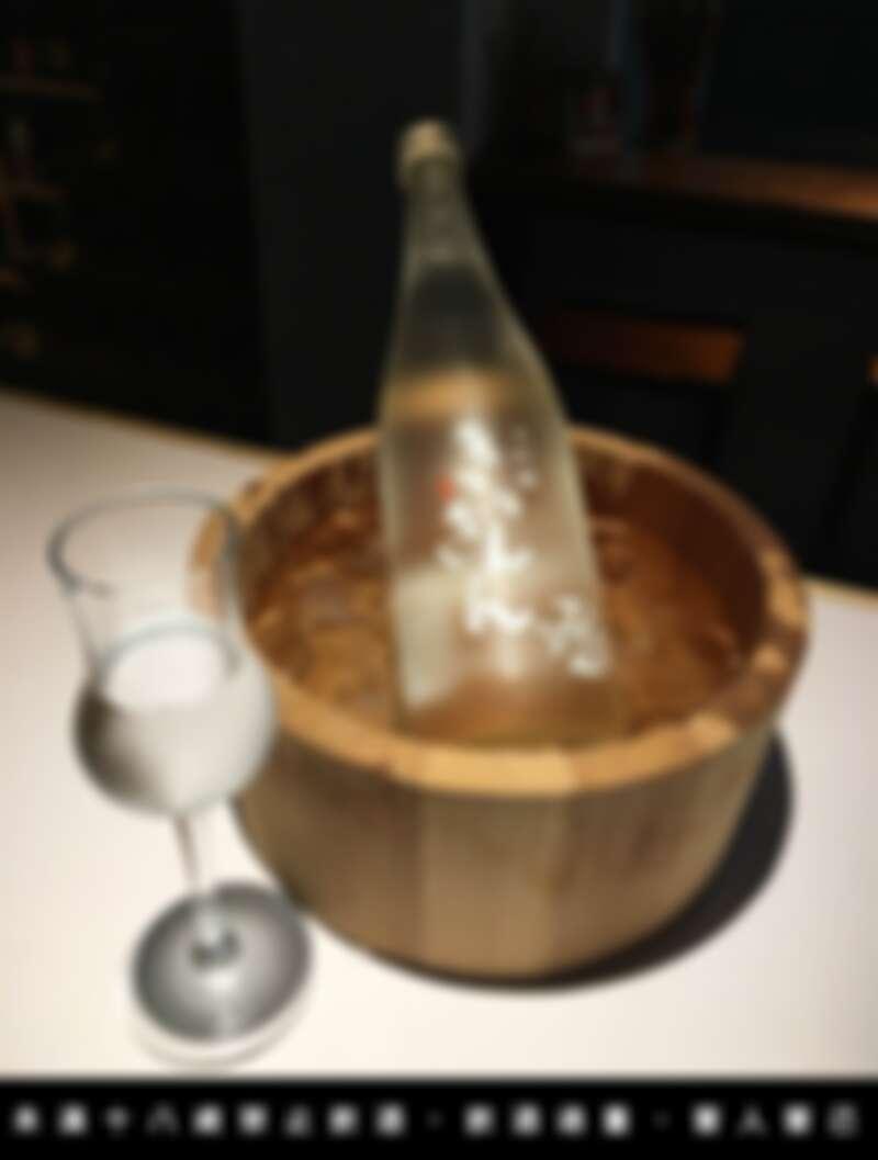 這裡供應新竹少見的單杯清酒服務。
