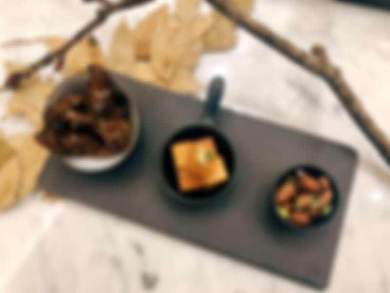 試圖打破日本酒只能與日式料理搭配的框架,選擇許多中式、異國料理搭配。