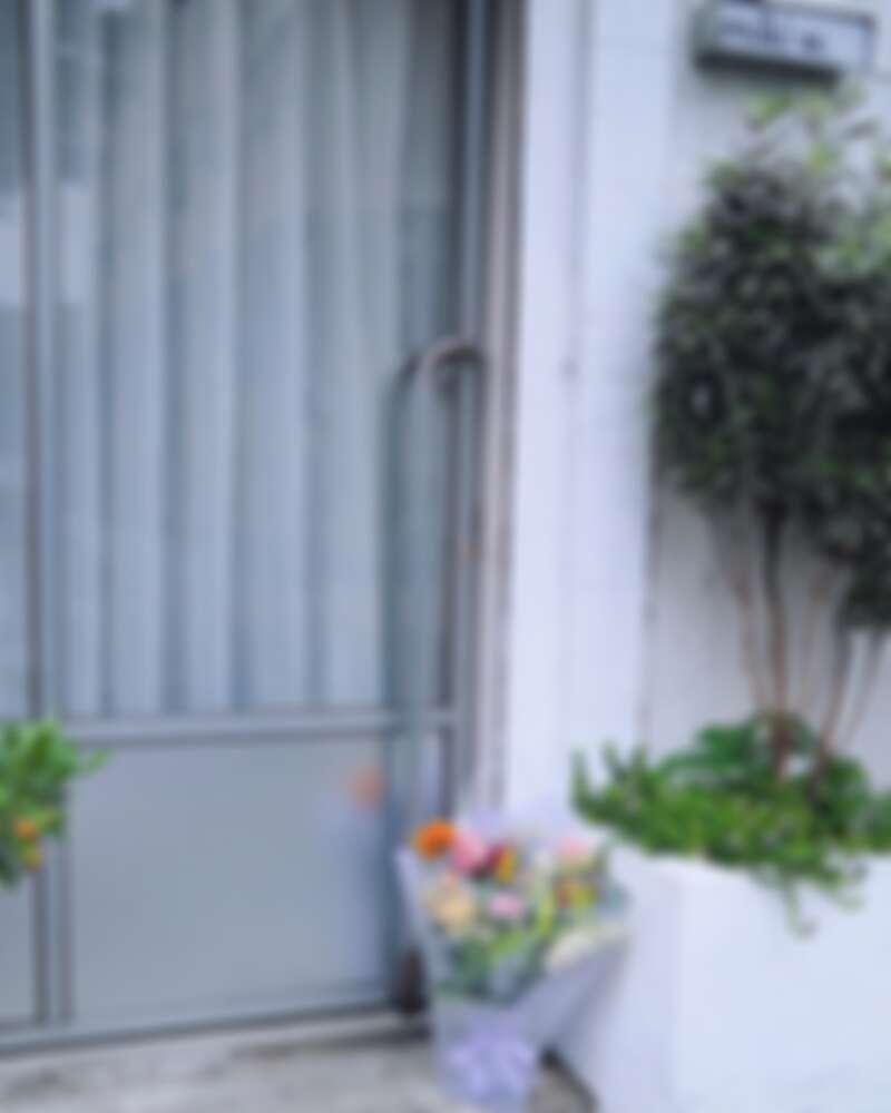 並有 stay with flowers 疫情期間花束宅配方案。