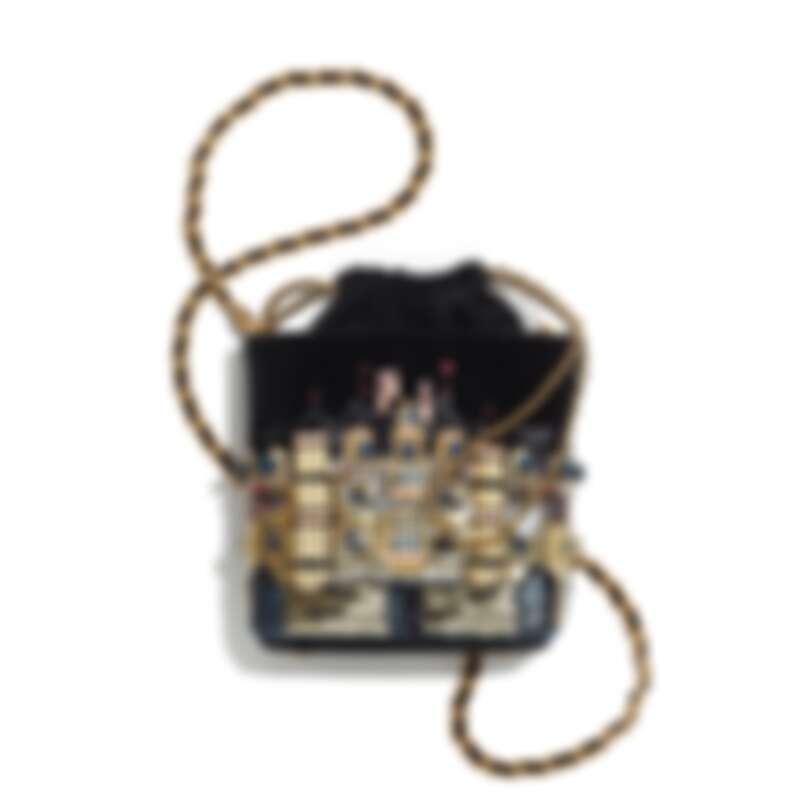 黑色天鵝絨城堡刺繡亮片幻象珍珠水晶鑲飾皮穿鍊束口小包,NT283,500