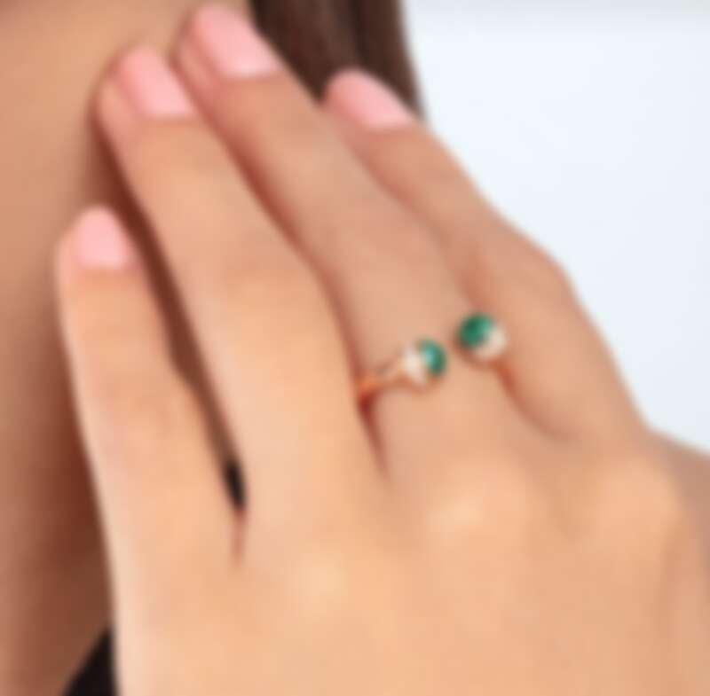 Piaget Possession 系列戒指,18K黃金鑲嵌綠松石與鑽石