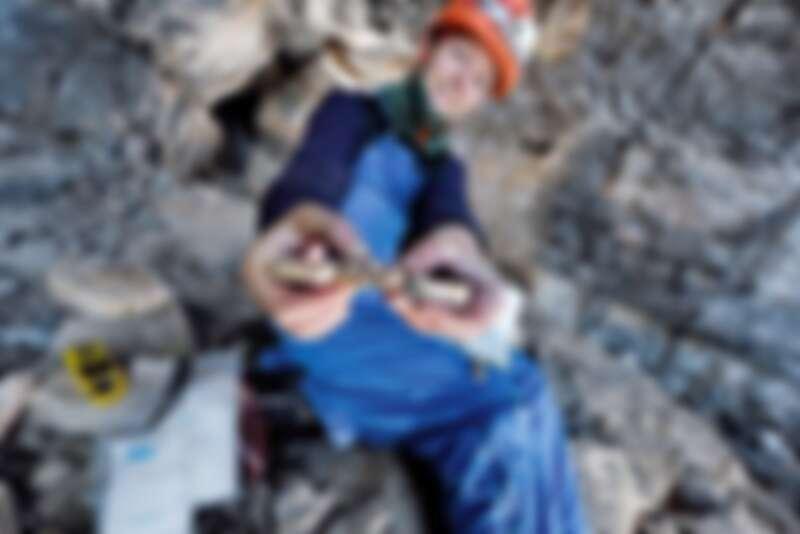 來自英國的吉娜•莫茲里 (Gina Moseley),計劃對地球最北端的洞穴進行首次探險,促進人類對北極地區氣候變化的了解 (1) ©Robbie Shone