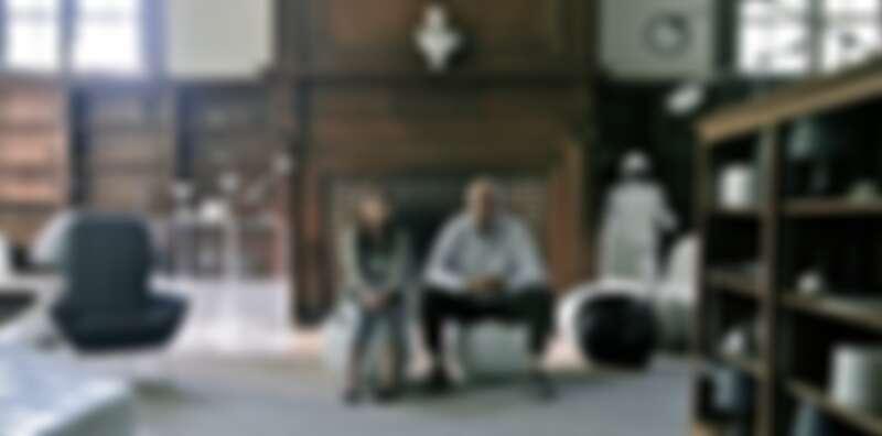 《機器人與法蘭克》裡的白色 Panton Chair。