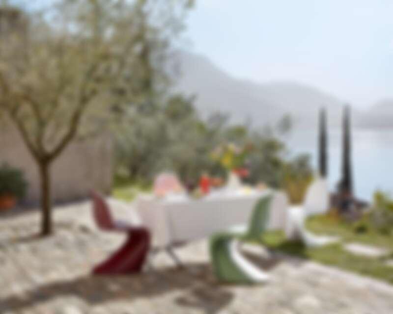 Vitra Panton Chair 2021年新色,此為塑料版本,