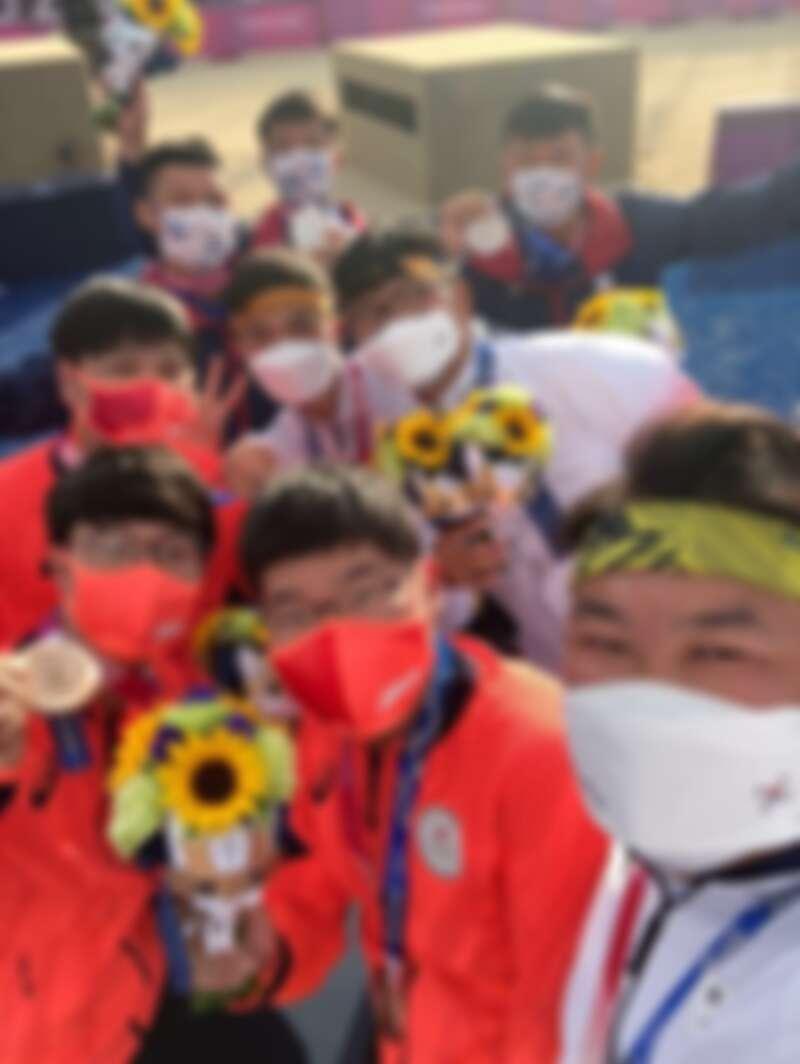台灣、韓國、日本射箭選手自拍照