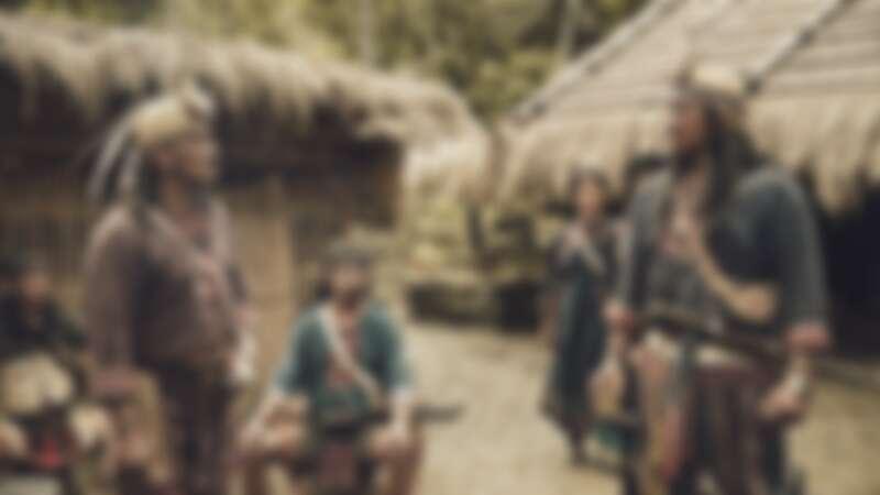 《斯卡羅》雷斌・金碌兒(左)飾演二股頭伊沙,與查馬克.法拉屋樂所飾演的大股頭卓杞篤經常為部落利益對峙