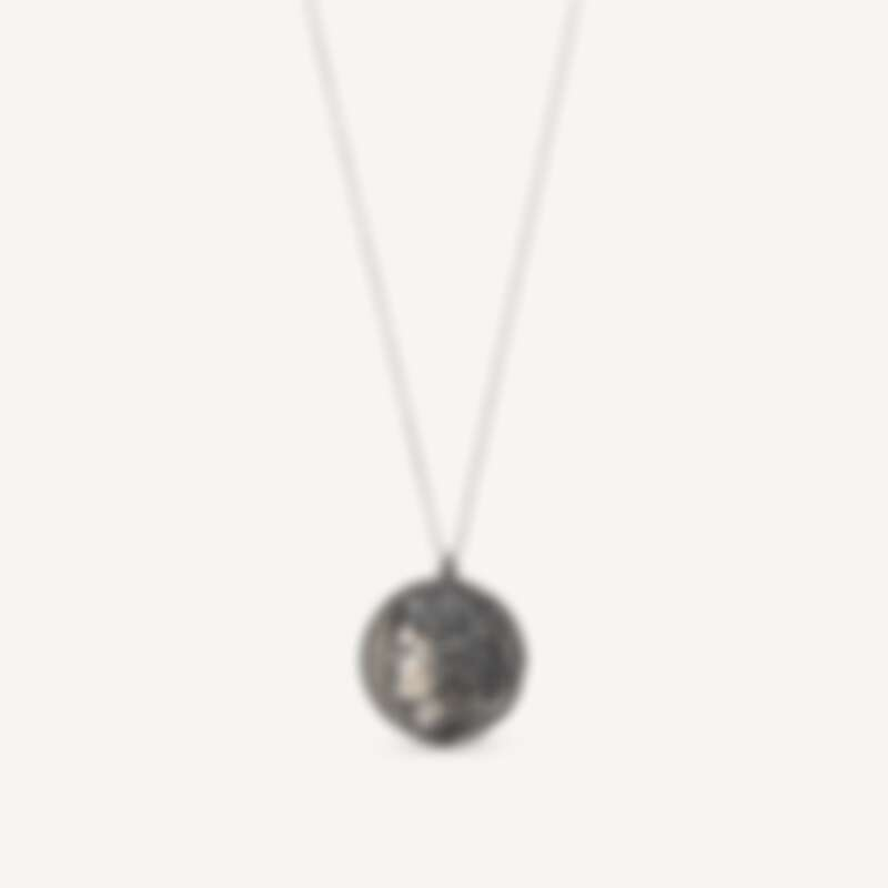 Louis Vuitton X Fornasetti Cameo錢幣項鍊,售價NT$25,700