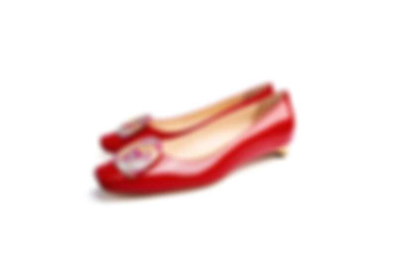 漆亮皮革平底鞋,NT49,800。