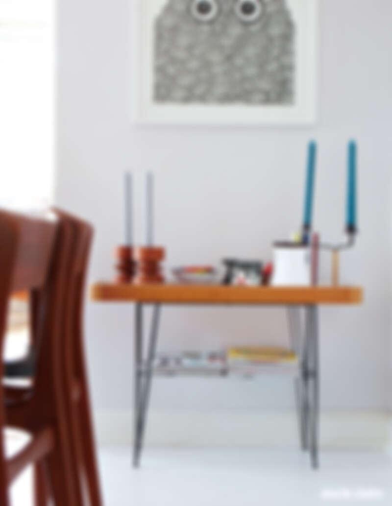 一些古董器皿、為 OMM Design 設計的產品,以及手捏陶器,這裡是她常常駐留的角落。