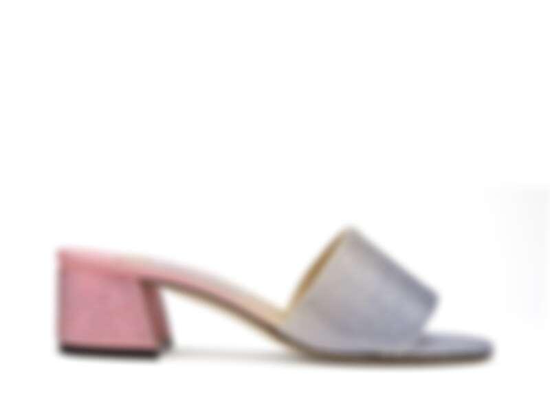 Jimmy Choo 鑽飾跟鞋,價格店洽。