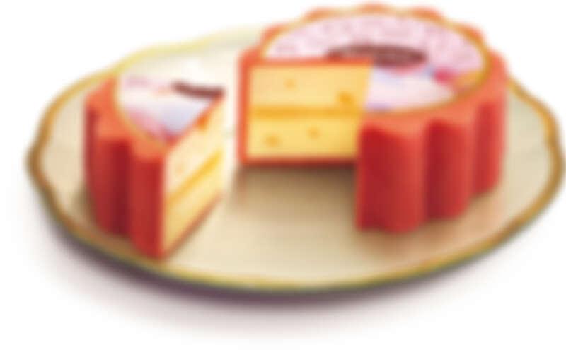 「維納斯之秋」冰淇淋月餅禮盒中,最碩大的冰淇淋月餅一口品嘗就能感受到哈密瓜、芒果以及芒果餡夾心的立體層次香甜風味。